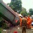YOUTUBE India, autobus contro auto a Mumbai: 17 morti3