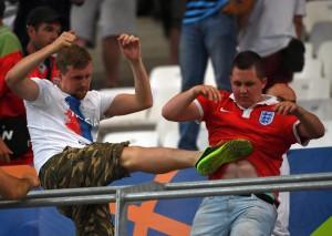 Euro 2016, Uefa minaccia: Russia e Inghilterra fuori se altre violenze