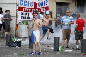 Guarda la versione ingrandita di Inghilterra-Russia, scontri tifosi a fine partita (Euro 2016)  foto Ansa