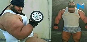 YOUTUBE Sajad Gharibi, Hulk persiano che solleva più del suo peso