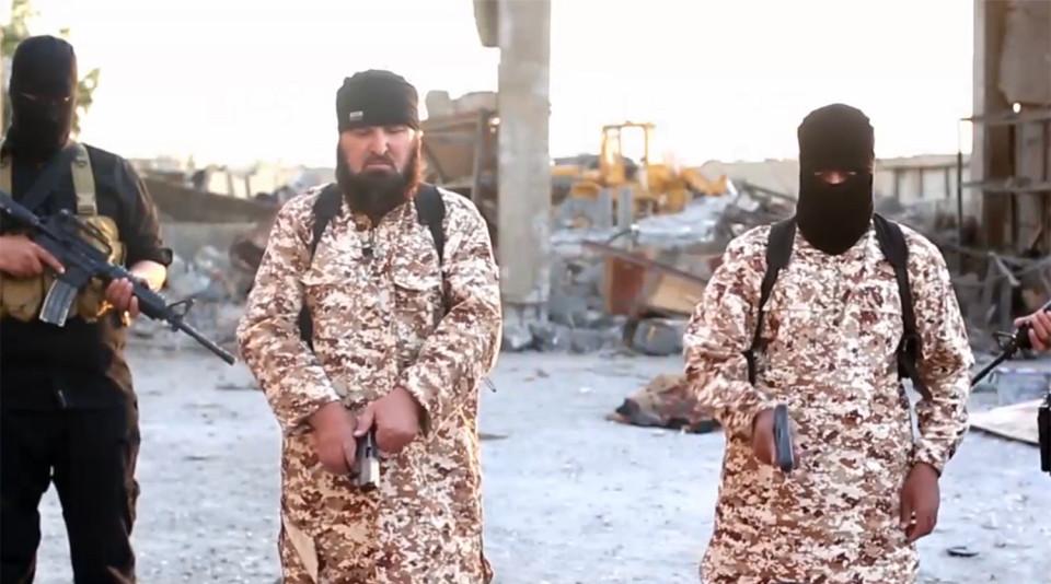Isis, nuovo orrore: jihadista giustizia suo fratello06
