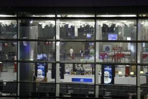 Istanbul, strage aeroporto: 3 del commando Isis in fuga. Scalo riaperto