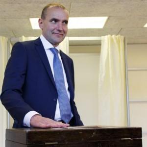 Elezioni in Islanda, eletto presidente Johannesson, prof anti-sistema