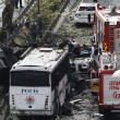 YOUTUBE Istanbul, bomba contro poliziotti: morti e feriti4