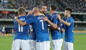 Guarda la versione ingrandita di Italia-Finlandia 2-0, Candreva e De Rossi gol. Ora Euro 2016 (foto Ansa)