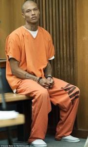 Guarda la versione ingrandita di Jeremy Meeks, prima foto da modello per l'ex detenuto