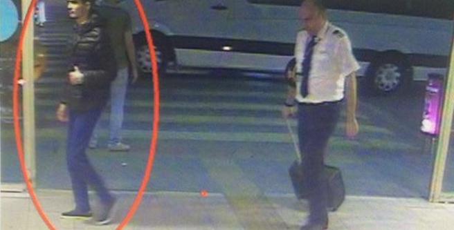 Istanbul, la FOTO del kamikaze che sta per farsi esplodere