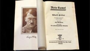 Il Giornale distribuisce gratis il Mein Kampf di Hitler