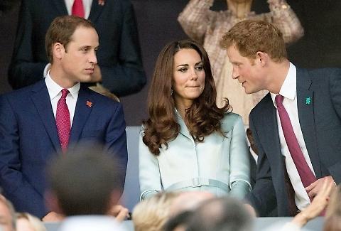 """Kate Middleton, William è geloso di Harry. """"Quando sono insieme..."""""""