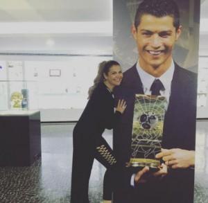 Guarda la versione ingrandita di Katia Aveiro: la bella sorella di Cristiano Ronaldo