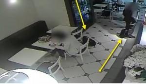 Milano, ladro di zaini in stazione: il trucco dello scambio VIDEO