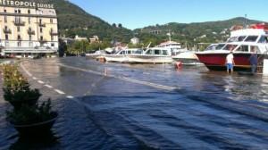 Guarda la versione ingrandita di Como, esonda lago dopo troppa pioggia. E a Verbania... (foto Twitter)