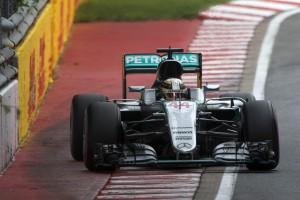 F1 Canada, Hamilton vince. Vettel secondo ma strategia...