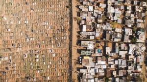 Sudafrica, ricchi e poveri separati da una linea di confine invisibile