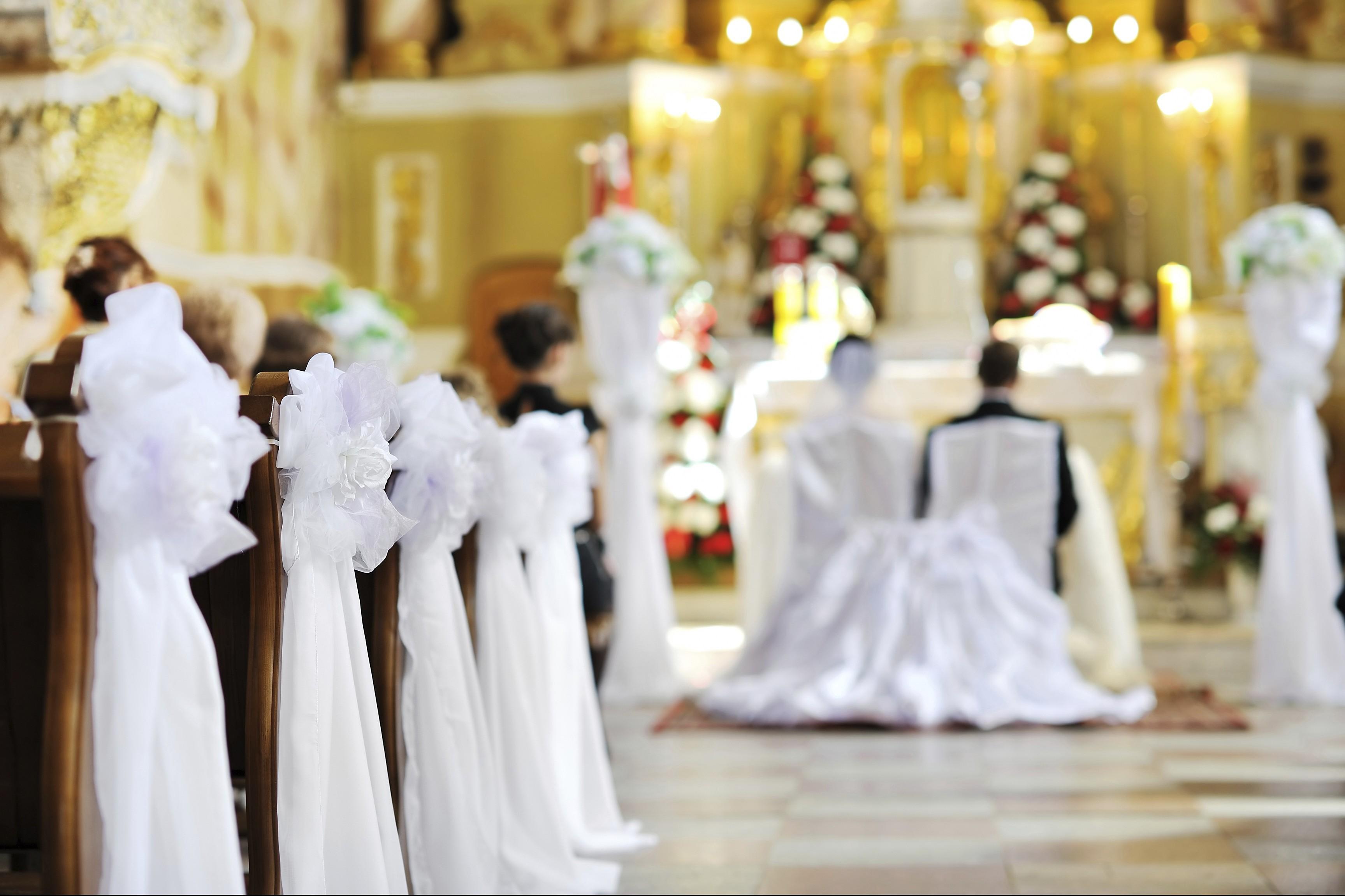 Auguri Matrimonio In Ritardo : Macerata sposa in ritardo il parroco comincia matrimonio