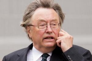 Ex ministro inglese accusato di truffa da un conte italiano
