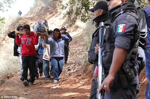 Messico, famiglia di 11 sterminata: una delle vittime violentata 9 anni prima05