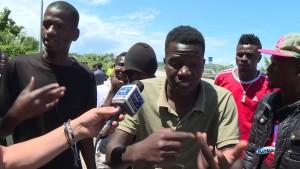 """Migranti bloccano statale Adriatica per """"riso scotto"""""""