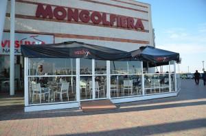 Molfetta (Bari): assalto armato a portavalori in centro commerciale