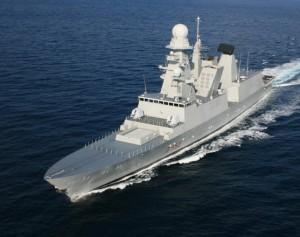 Nave Grecale, sottufficiali indagati: baci e sculacciate a 4 marinaie