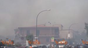 YOUTUBE Incendio a Cefalù: nubi nere, vietato bere acqua