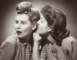 Gossip, quando il pettegolezzo diventa reato. Farsi gli affari degli altri può valere una condanna per diffamazione. Cosa dice la Corte di Cassazione