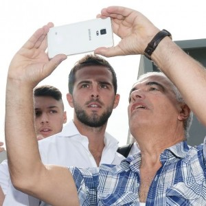 Guarda la versione ingrandita di Juventus, Miralem Pjanic a Torino: FOTO con i nuovi tifosi