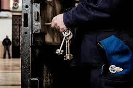 Trieste, poliziotto penitenziario si uccide con pistola d'ordinanza