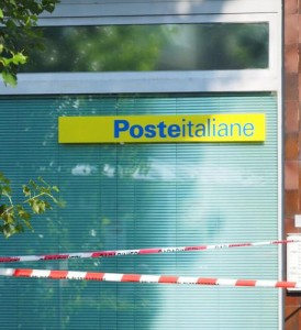 Bomba incendiaria davanti Poste Torino, fatta brillare