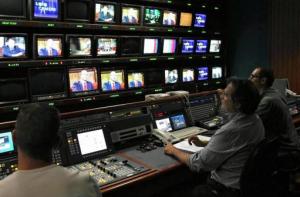 Sedotte e abbandonate, la storia di radio e tv locali