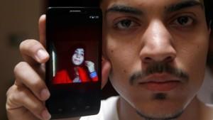 Pakistan: brucia viva la figlia, aveva sposato l'uomo che amava