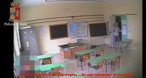 Guarda la versione ingrandita di YOUTUBE Ragusa, bidello arrestato: abusi su migrante 16enne