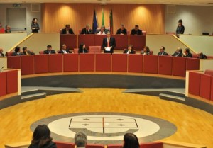 Regione Liguria salva politici: non chiede danni per spese pazze...