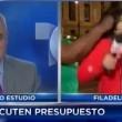 VIDEO YOUTUBE Reporter ignora signora e lei...la picchia 4