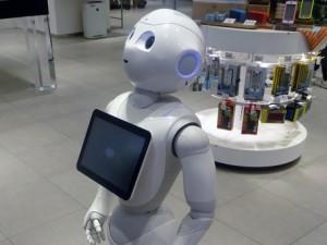 """Robot """"persone elettroniche"""". Tutele sul lavoro?"""