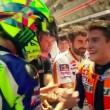 YOUTUBE Moto Gp Barcellona: stretta mano tra Marquez Rossi