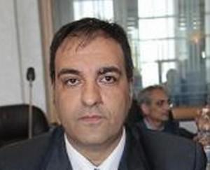Cosenza, colpi pistola contro Roberto Sacco, ex consigliere: illeso