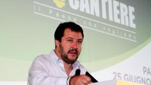 Salvini e il centrodestra da rifare: via a nuovo nome