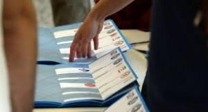 Napoli, schede annullate per voto a Gomorra: scrivono...