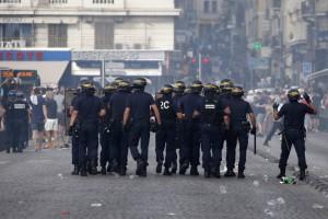 Guarda la versione ingrandita di Euro 2016 Marsiglia assediata, francesi e russi contro gli inglesi...
