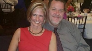 Kenneth Alan Amyx sgozza fidanzata e mette foto su Facebook