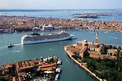 Nave da crociera a Venezia