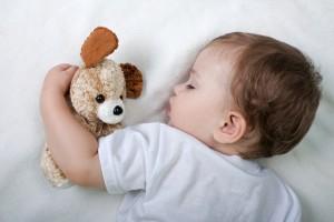 Sonno, quanto dobbiamo dormire? Neonati 16 ore, adolescenti 8