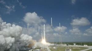 YOUTUBE Razzo SpaceX Falcon 9 si schianta sulla piattaforma