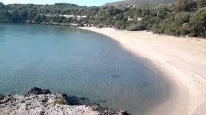 Camerota, coppia g*y celebra unione civile in spiaggia