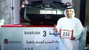 Guarda la versione ingrandita di Imprenditore saudita spende 4 milioni per avere targa numero 1