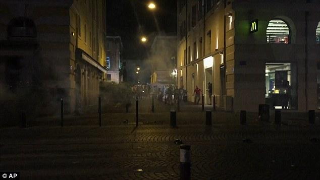 """YOUTUBE Marsiglia, tifosi inglesi: """"Isis dove sei?"""". Scontri6"""