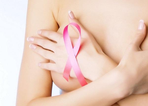 Messina, falsi tumori al seno per giustificare le plastiche: medici arrestati