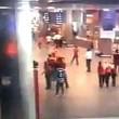 YOUTUBE Attentato Istanbul: kamikaze colpito si fa esplodere914