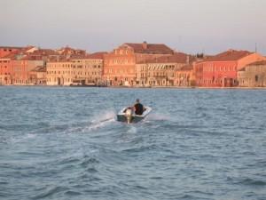 Venezia, rapinato e gettato in Laguna: si indaga per omicidio